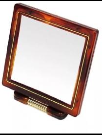 Зеркало настольное в пласт. оправе квадрат 18-20 см